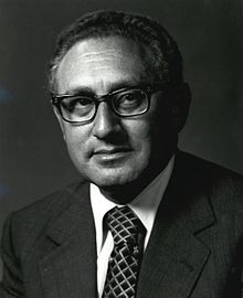 https://i0.wp.com/upload.wikimedia.org/wikipedia/commons/thumb/8/88/Henry_A_Kissinger.jpg/220px-Henry_A_Kissinger.jpg