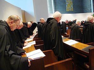English: Roman Catholic monks of the singing o...