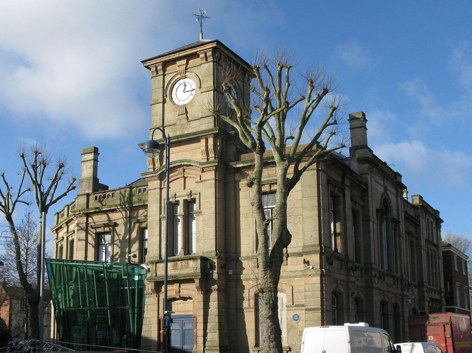 Photo of Bilston Town Hall by Brianboru100, some rights reserved.
