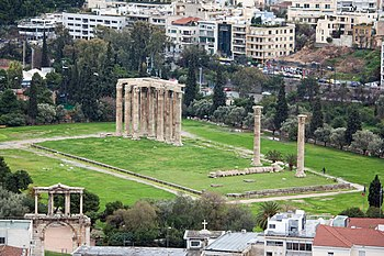 English: Temple of Zeus in Athens, Greece on a...