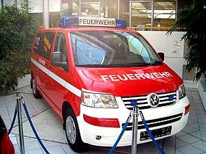 Deutsch: T5 von Volkswagen - Als Feuerwehrwage...