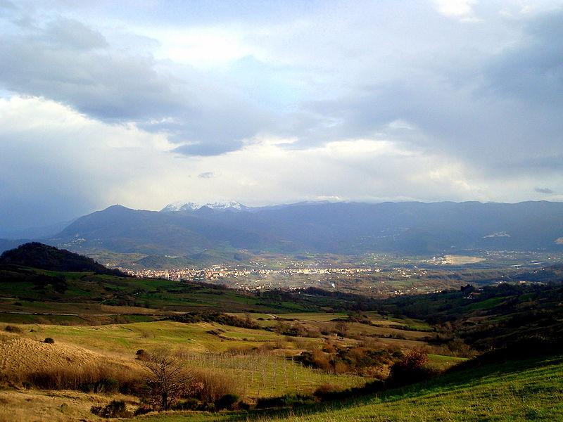 File:Isernia panorama.JPG