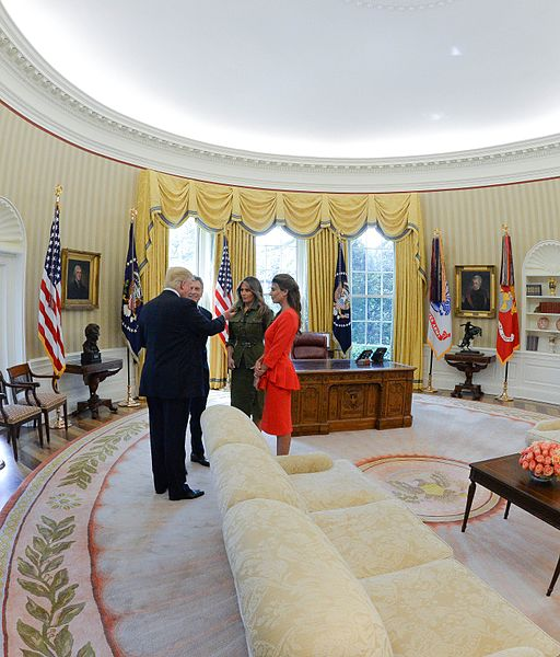 FileMauricio Macri Juliana Awada Donald Trump and Melania Trump at the Oval officejpg