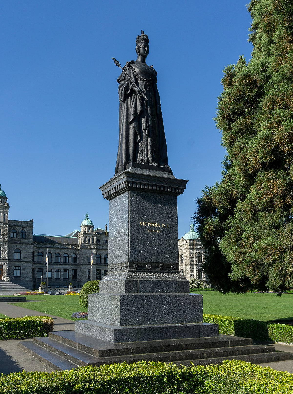 Statue of Queen Victoria Victoria British Columbia