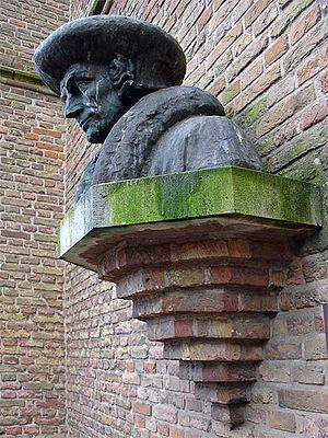 English: bust of Ermasmus, made by Hildo Krop ...