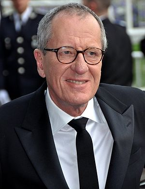 English: Geoffrey Rush at the 2011 Cannes film...