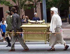Indiana Jones and his Ark (parade, DragonCon 2...