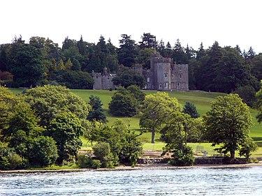 ローモンド湖Balloch Castle.jpg