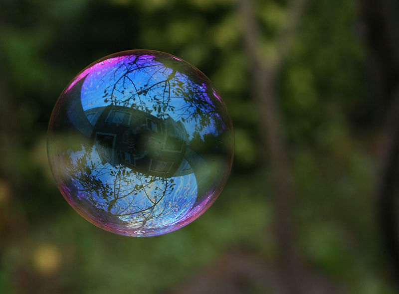 File:Reflection in a soap bubble.jpg