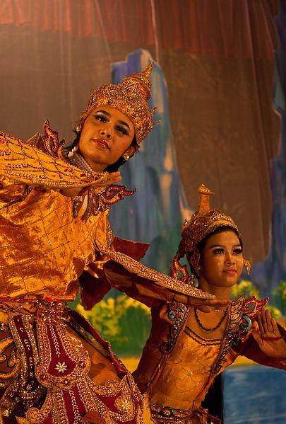 ไฟล์:Burmese Ramayana dance.jpg
