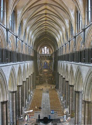 English: The nave of Salisbury Cathedral from ...