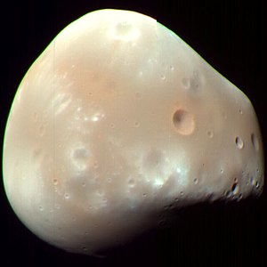 English: Enchanced-color image of Deimos, a mo...