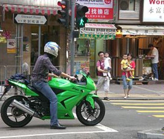 Hk Wan Chai Stewart Road Kawasaki Ninja Motorbike In Green Bn2185 Jpg