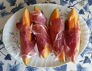 Prosciutto di Parma e melone, un tipico piatto...