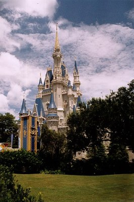 English: Cinderella Castle in the Magic Kingdo...