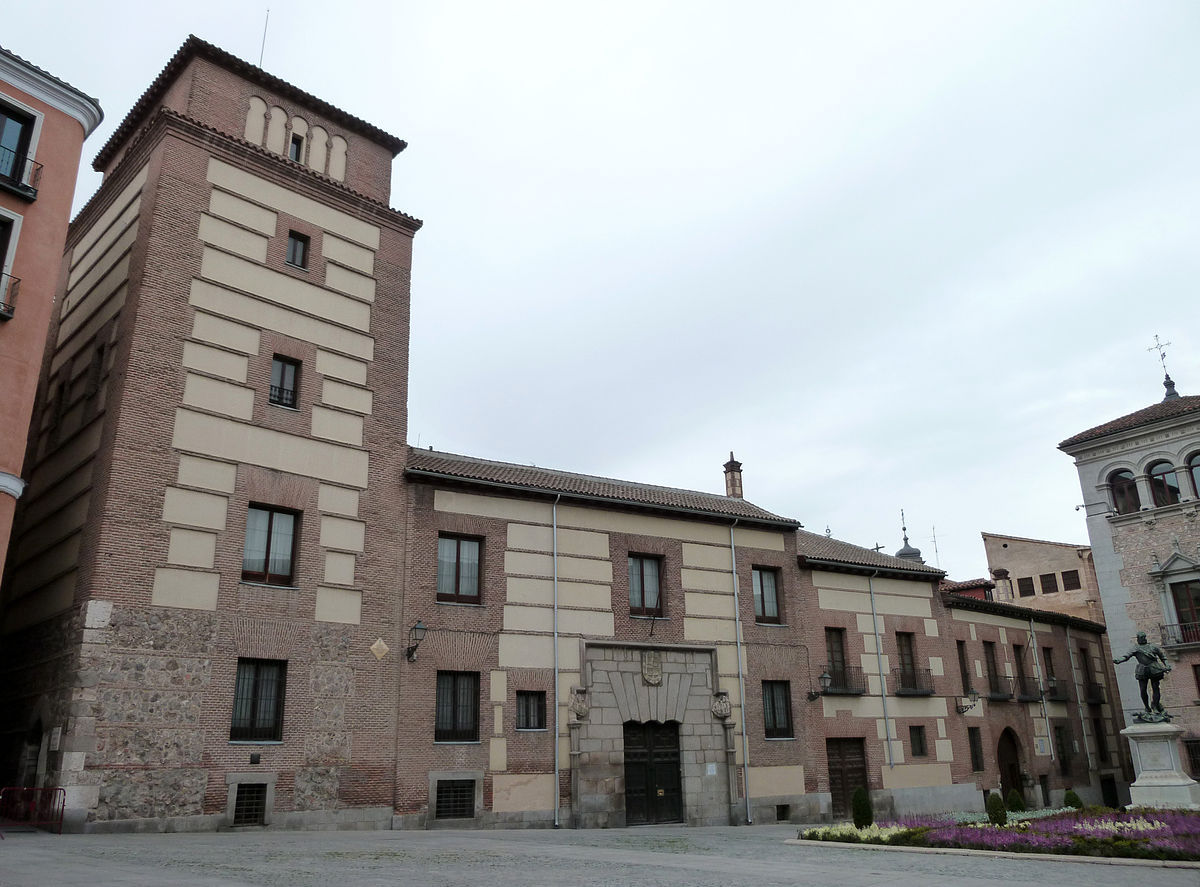 Casa y Torre de los Lujanes  Wikipedia la enciclopedia libre