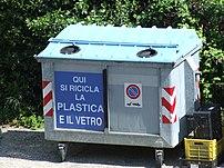 Cassonetto per la raccolta dei rifiuti di mate...
