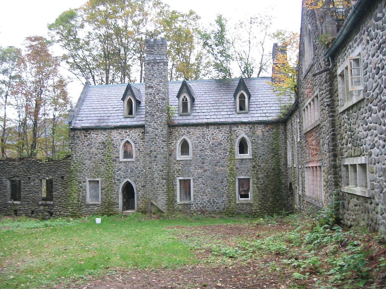 FileDundas Castle Roscoejpg  Wikimedia Commons
