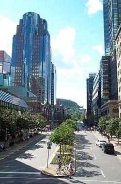 Pandangan dari bagian kota yang ramai dari Montreal, Quebec