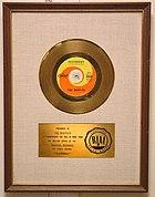 Disco de ouro da R.I.A.A. para a música Yesterday