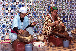 English: The production of argan oil by tradit...