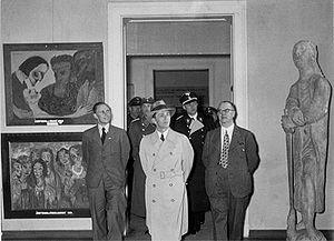 Goebbels views the Degenerate Art exhibition