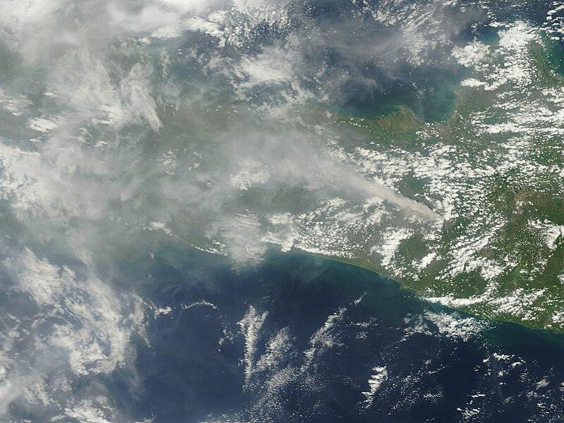 File:Merapi ash plume MODIS sat image 10 Nov 2010.jpg