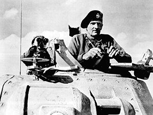 Montgomery watches Allied tanks advance forwar...