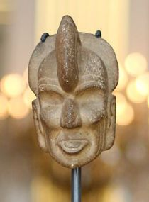 Tenon hachet shaped like a human head - Zapotec civilisation - Royal Palace, Brussels