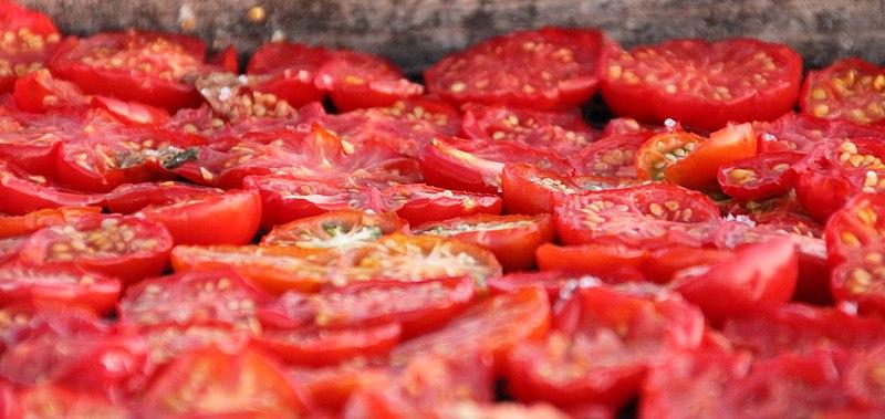 File:Sun-dried tomatoes (4694708714).jpg