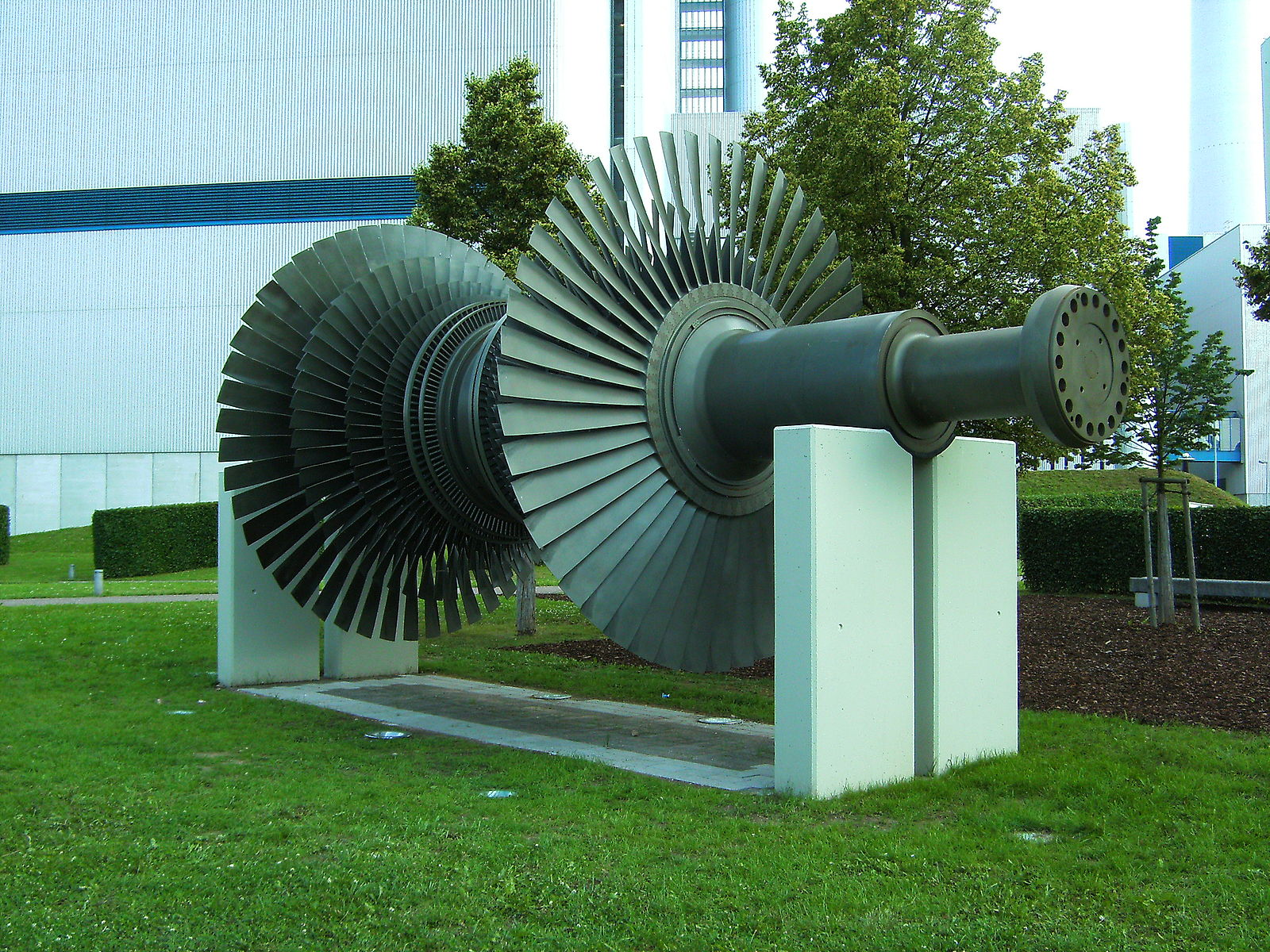 File:Altbach Power Plant Turbine on display.JPG