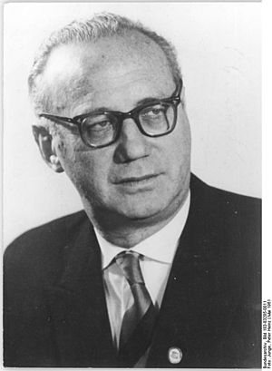 Bundesarchiv Bild 183-83285-0011, Prof. Dr. Ka...