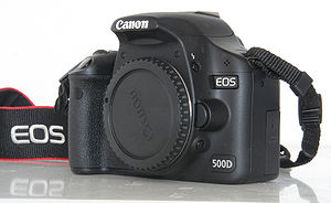 English: Canon EOS 500d frontside Nederlands: ...