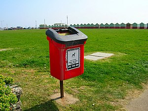 English: Dog Poop Bin, Western Lawns The sea f...