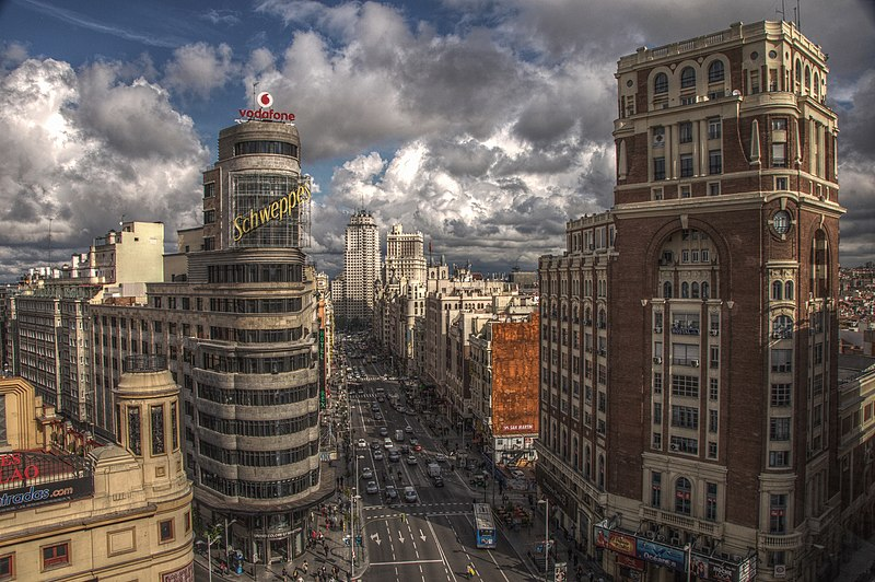 File:Gran Vía (Madrid) 1.jpg