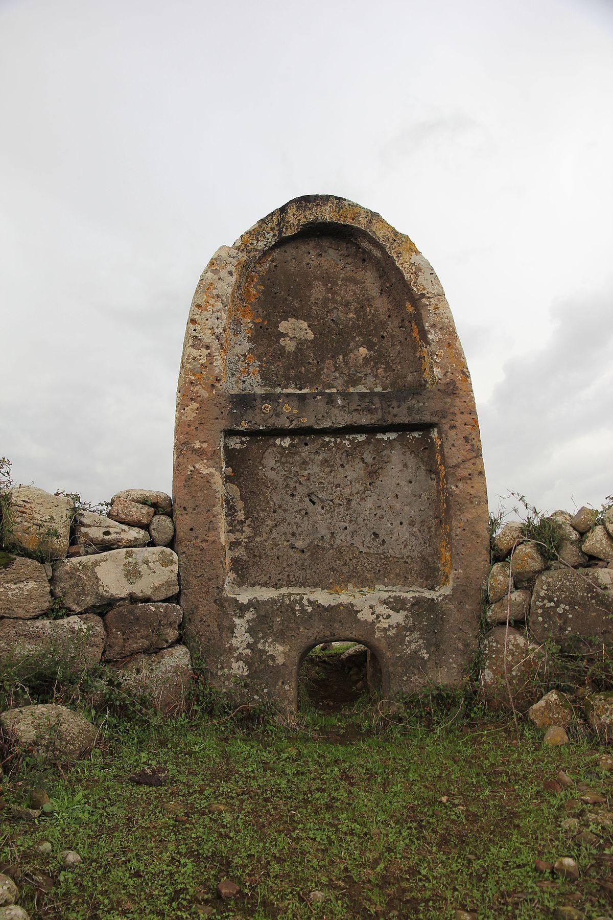 Tomba dei giganti di Imbertighe  Wikipedia