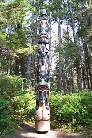 English: One of the many Native Alaskan totem ...