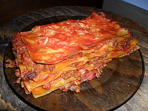 English: Home made lasagna Polski: Lasagna dom...