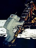 Buzz Aldrien verläßt Eagle