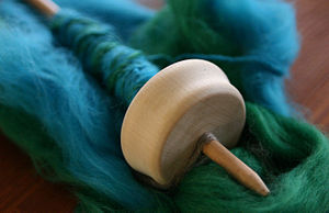 Drop spindle with wool