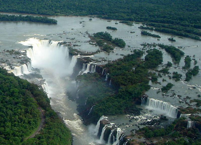 Foz de Iguaçu 27 Panorama Nov 2005