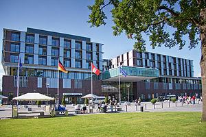 English: Main Entrance, University Medical Cli...