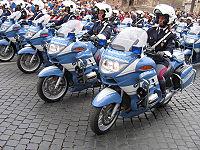 Con la riforma del 1981 le donne hanno avuto accesso a tutti i ruoli e reparti della Polizia di Stato, compresi i reparti motomontati della Polizia Stradale, da sempre considerati massimamente selettivi e famosi per addestramento ed esibizioni, ad esempio in parata