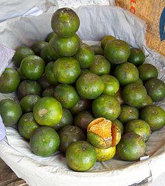 Buah jeruk manis di pasar