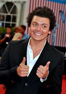 Kev Adams Films Et Programmes Tv : adams, films, programmes, Adams, Wikipédia