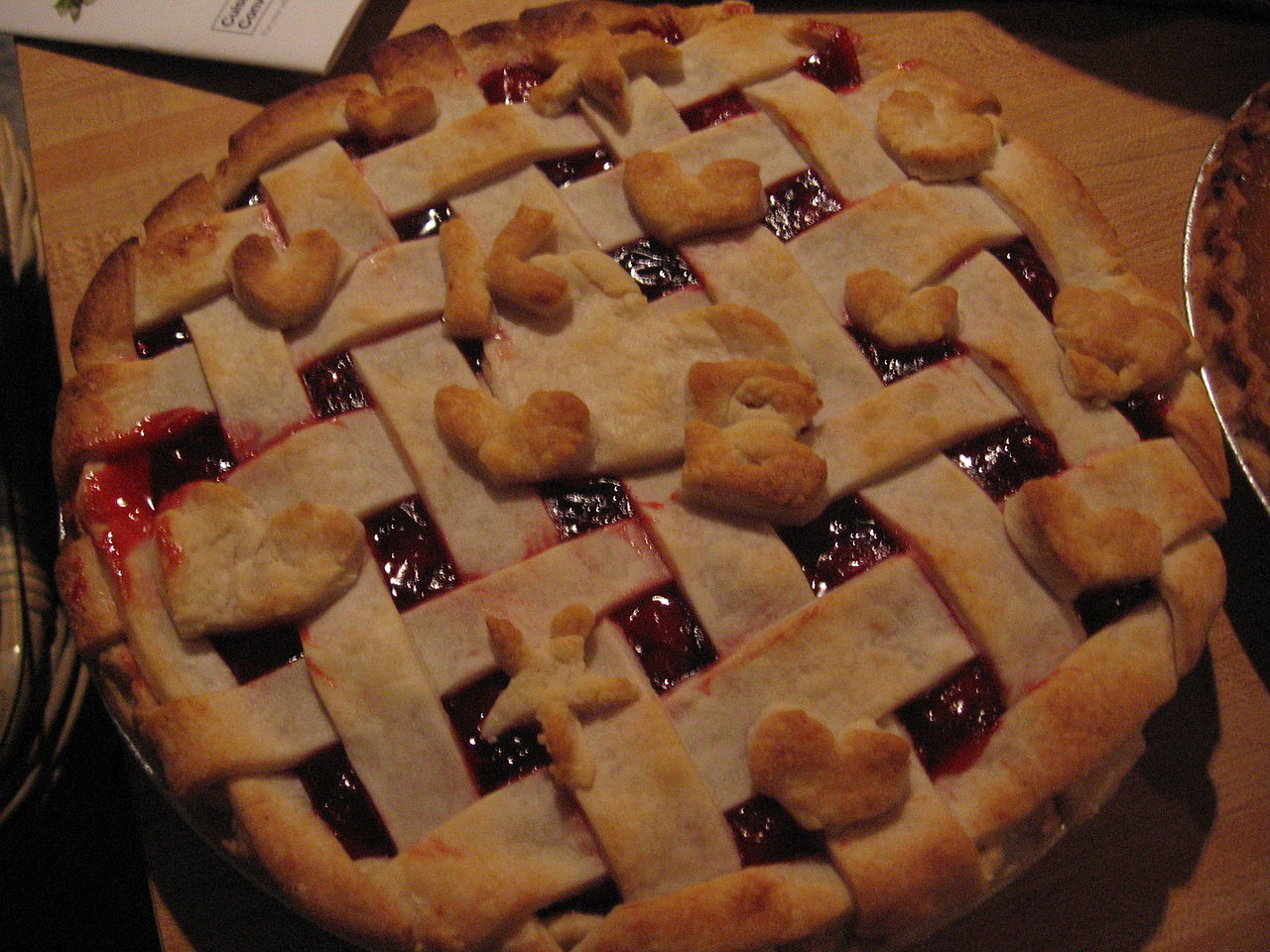 FileLattice cherry pie with pastryshell decorations