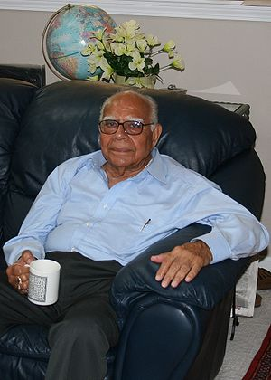 English: Ram Jethmalani (born September 10, 19...
