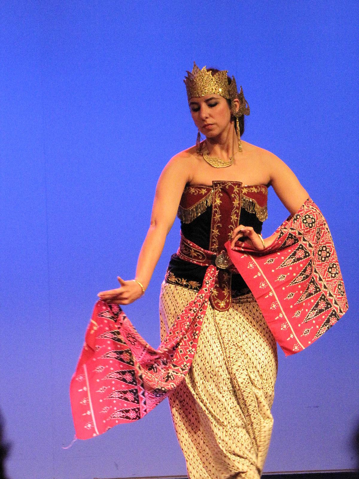 Seni Tradisional Jawa Tengah : tradisional, tengah, Srimpi, Wikipedia