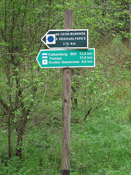 :66-Seen-Regionalparkroute Wegweiser