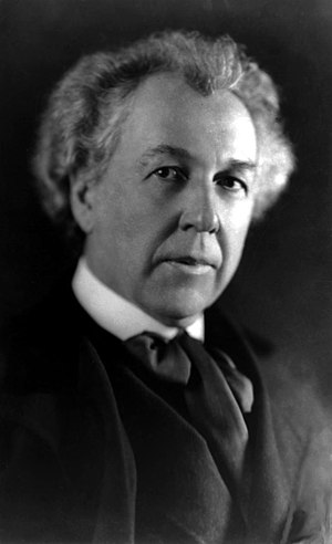 English: Frank Lloyd Wright, American architec...